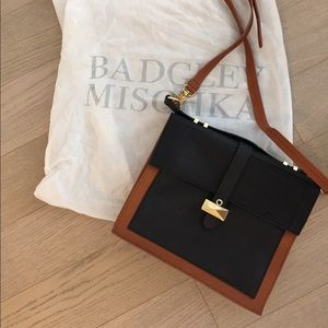 Brand new Badgley Mischka bag in brown and black